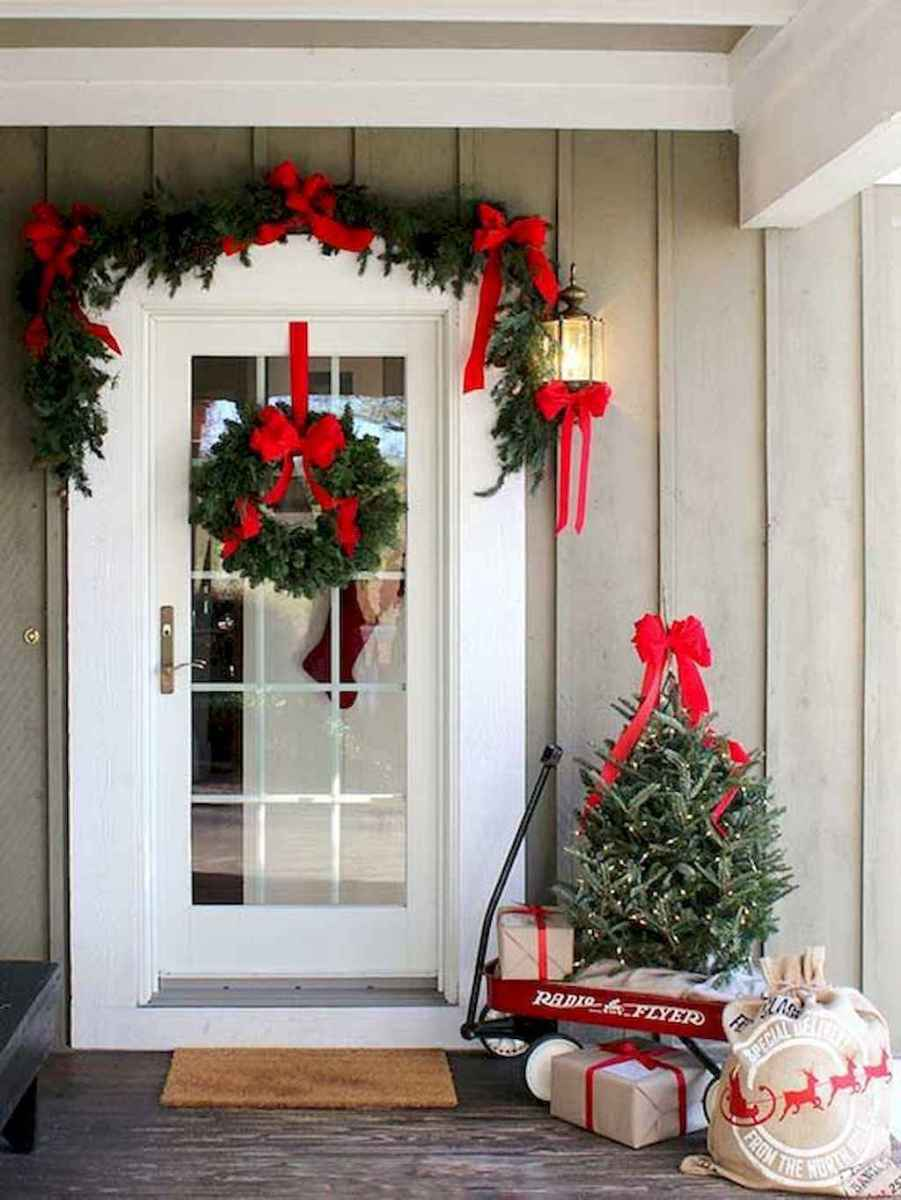 55 awesome christmas front porches decor ideas (29)