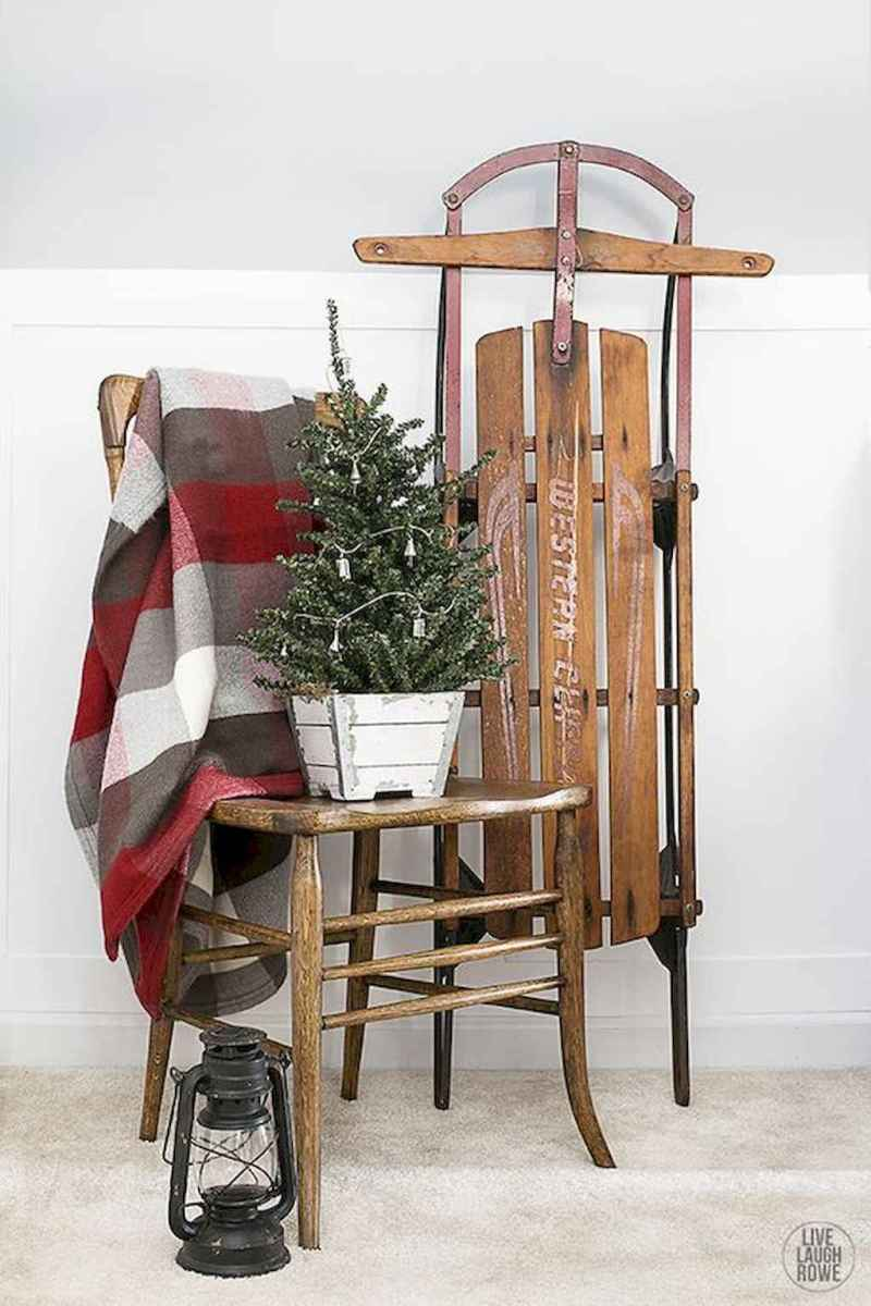 55 awesome christmas front porches decor ideas (49)