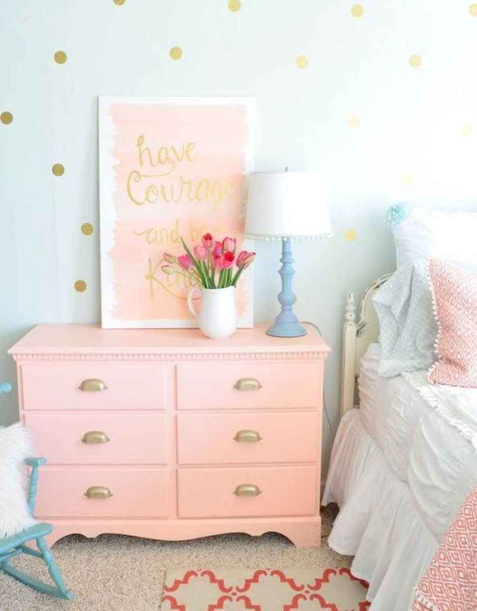 60 beautiful beside table decor ideas (20)