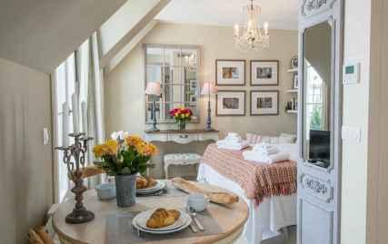 111 beautiful parisian chic apartment decor ideas (71)