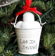 30 cheap diy dollar store christmas decor ideas (15)