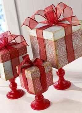 30 cheap diy dollar store christmas decor ideas (26)