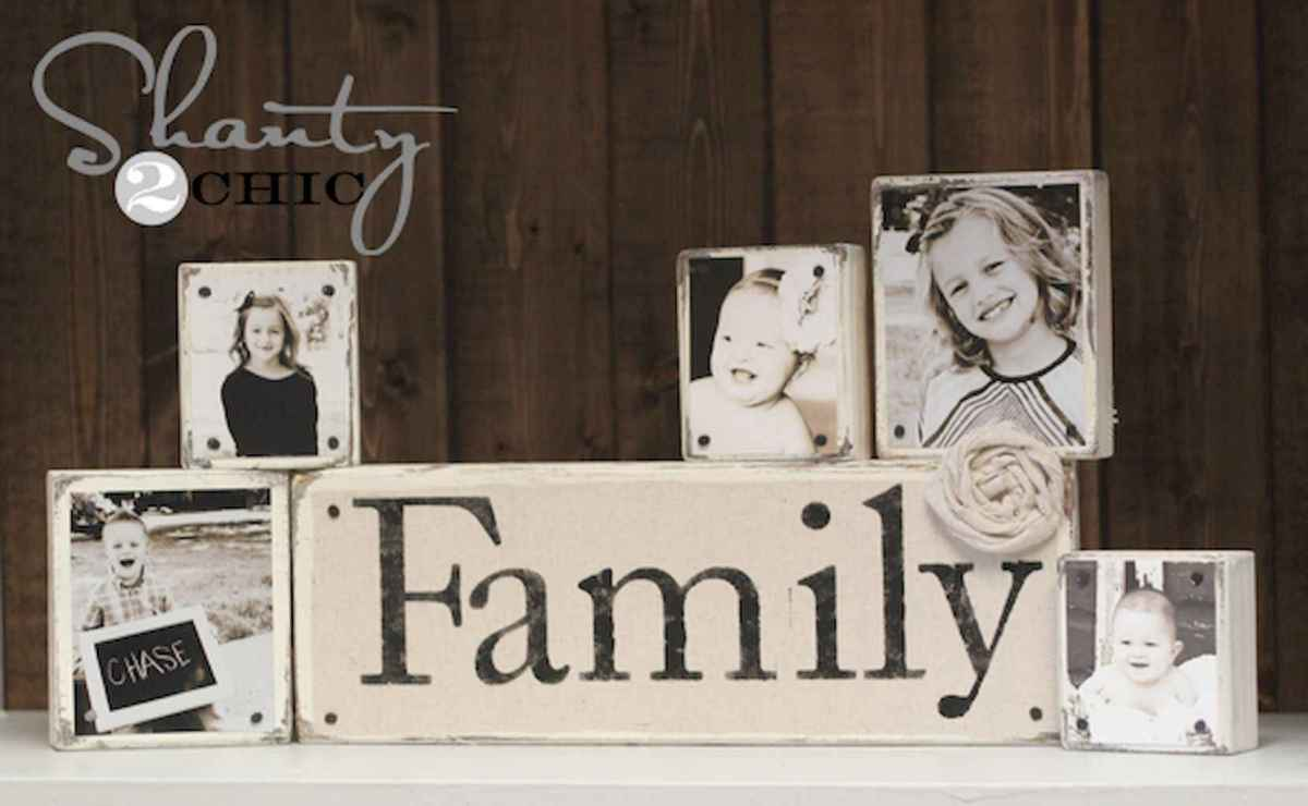 40 diy family photos display ideas for apartment decor (33)