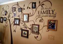 40 diy family photos display ideas for apartment decor (34)