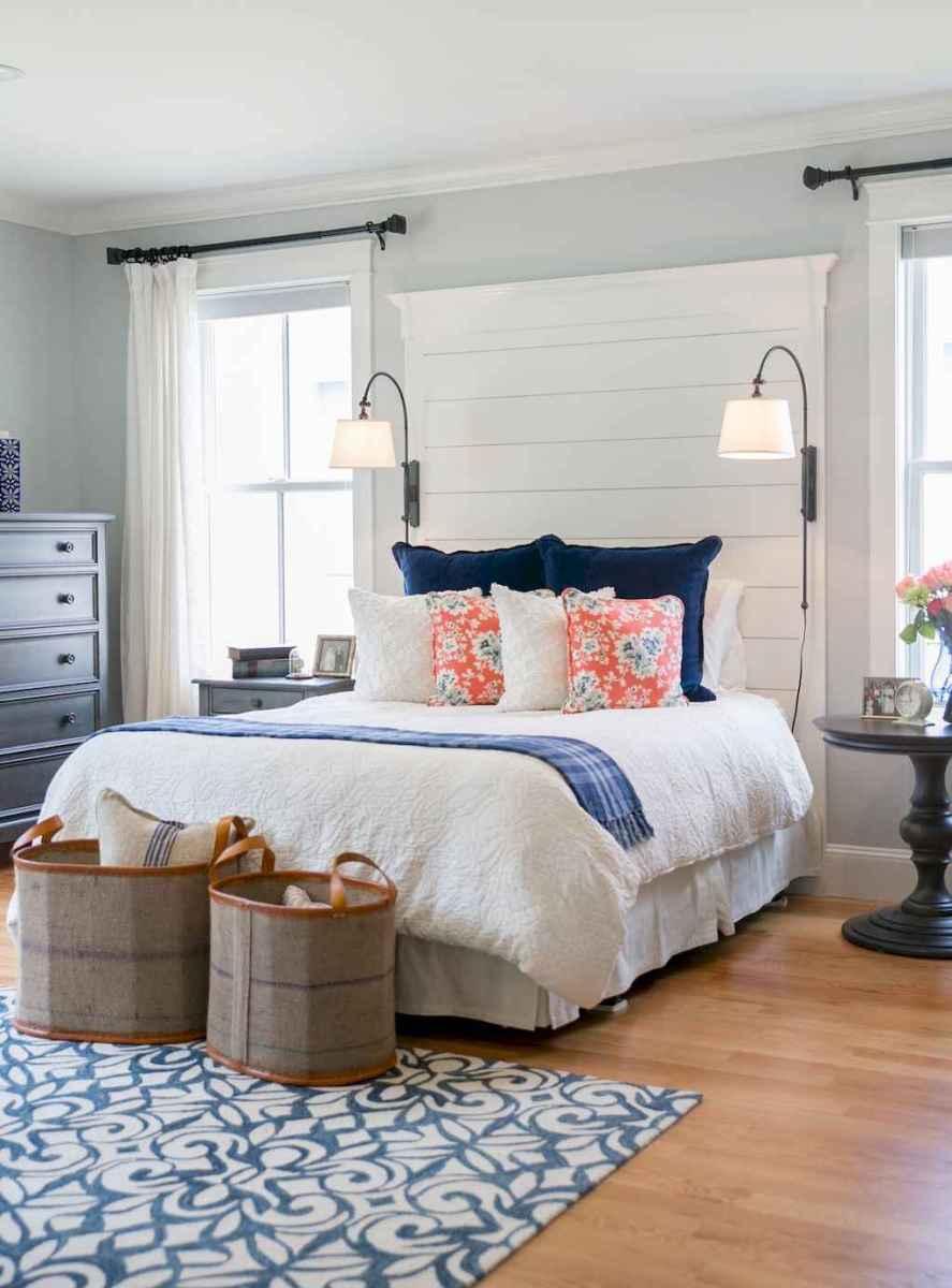 40 navy master bedroom decor ideas (1)