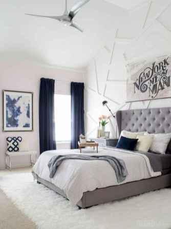 40 navy master bedroom decor ideas (29)