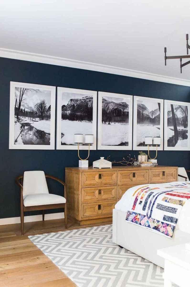 40 navy master bedroom decor ideas (31)