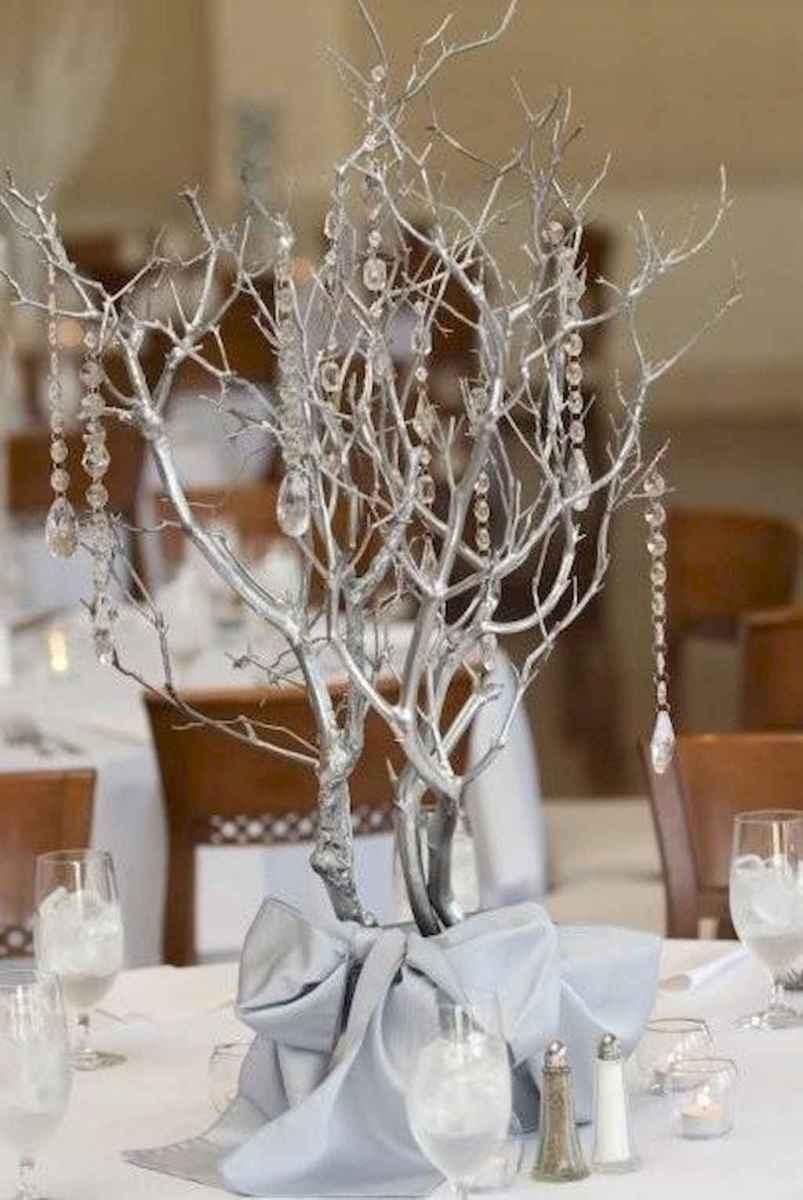 44 stunning mesa centerpiece christmas decor ideas (42)