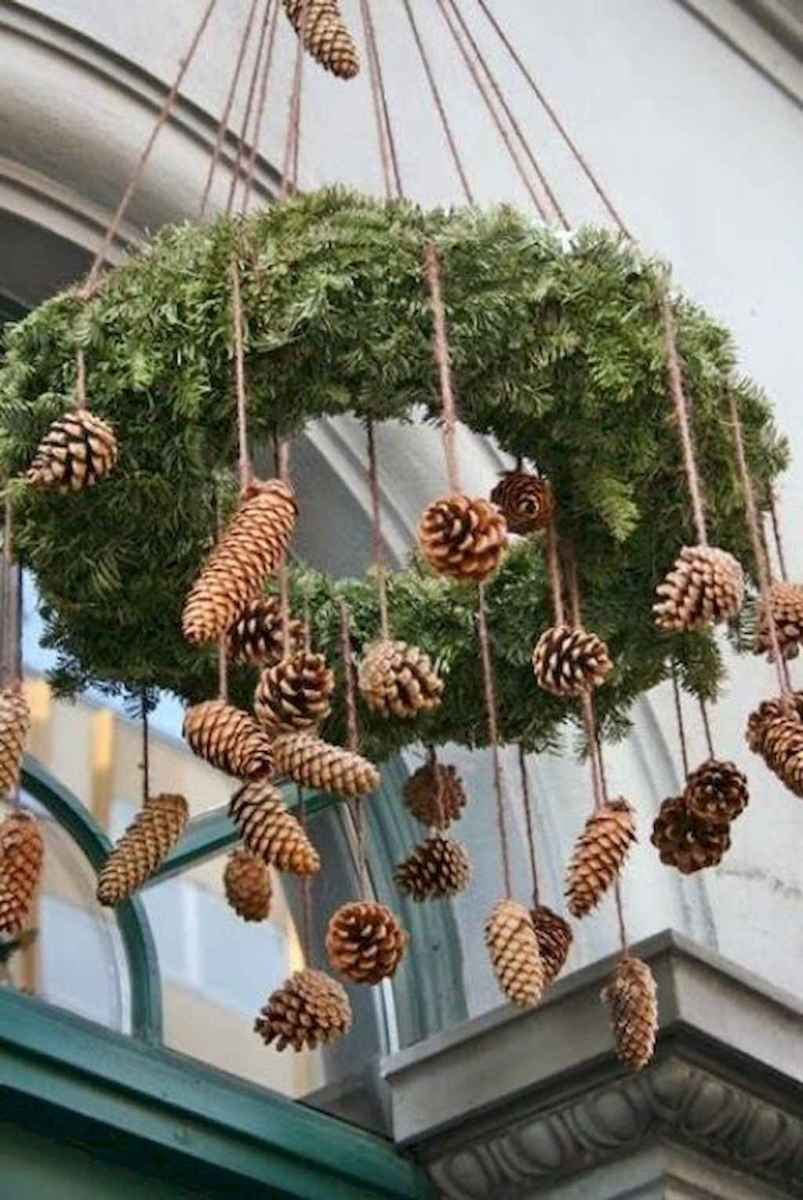 45 outdoor pine cones christmas decorations ideas (15)