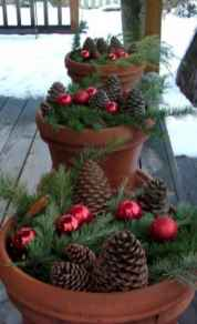 45 outdoor pine cones christmas decorations ideas (20)