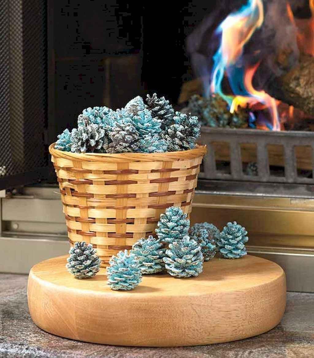 45 outdoor pine cones christmas decorations ideas (21)