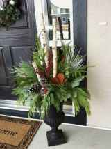 45 outdoor pine cones christmas decorations ideas (38)