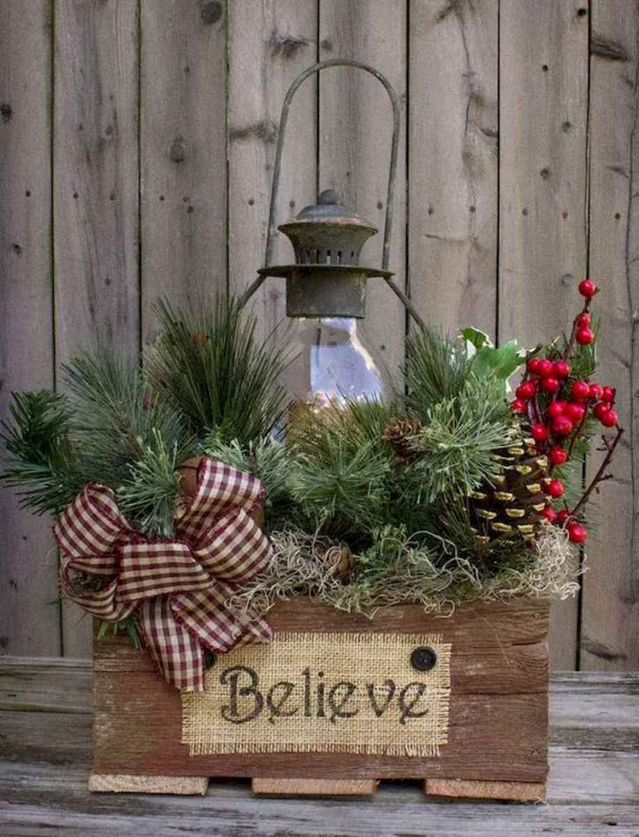 45 outdoor pine cones christmas decorations ideas (9)
