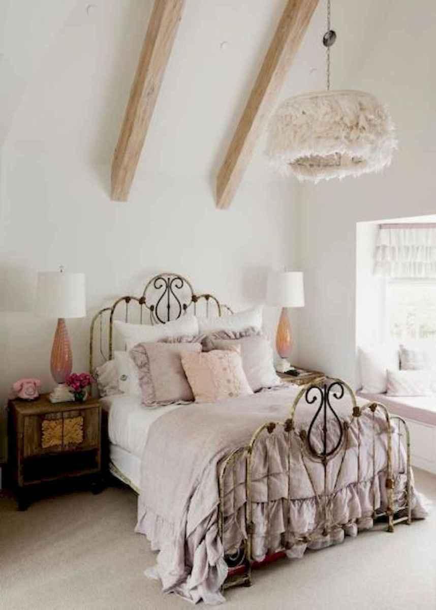 50 stunning vintage apartment bedroom decor ideas (15)