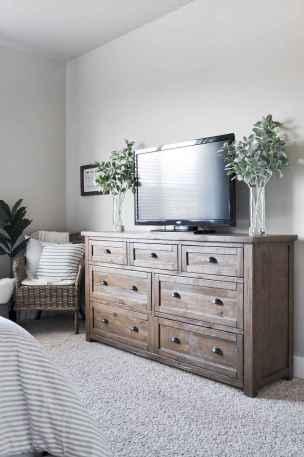 60 cool modern farmhouse living room decor ideas (59)
