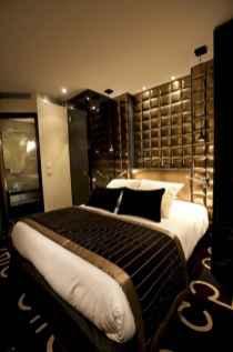 60 glamorous dream master bedroom decor ideas (41)