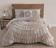 60 romantic master bedroom decor ideas (53)