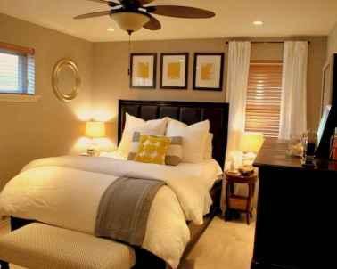 60 simply small master bedroom decor ideas (10)