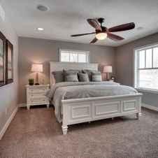 60 simply small master bedroom decor ideas (12)
