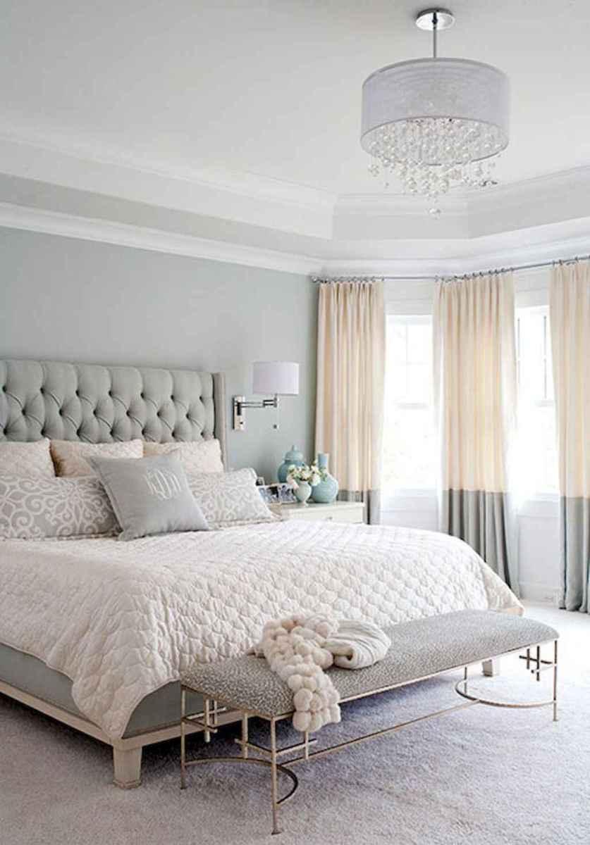 60 simply small master bedroom decor ideas (3)
