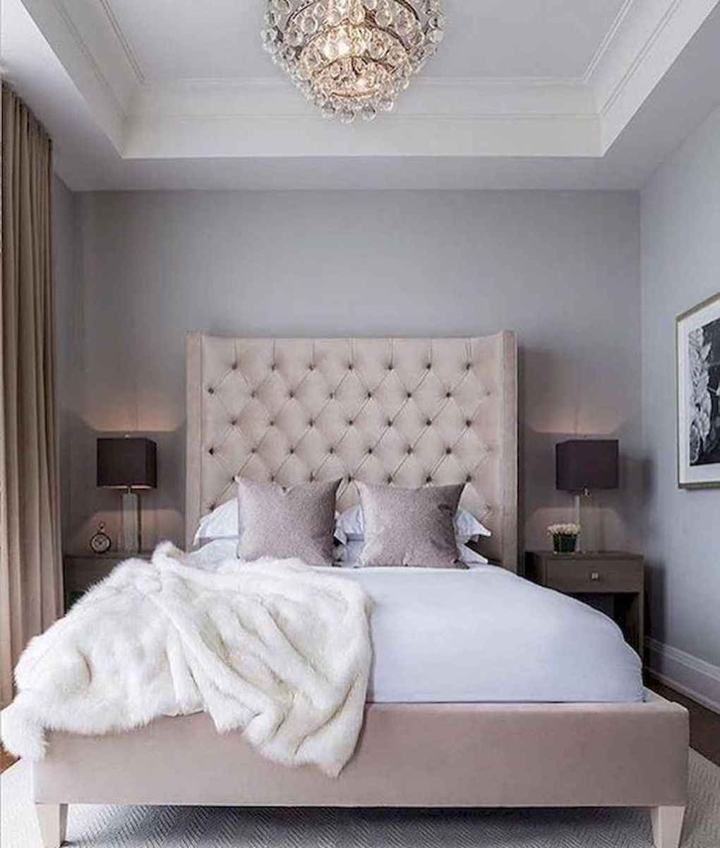 60 simply small master bedroom decor ideas (8)