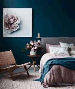60 simply small master bedroom decor ideas (9)