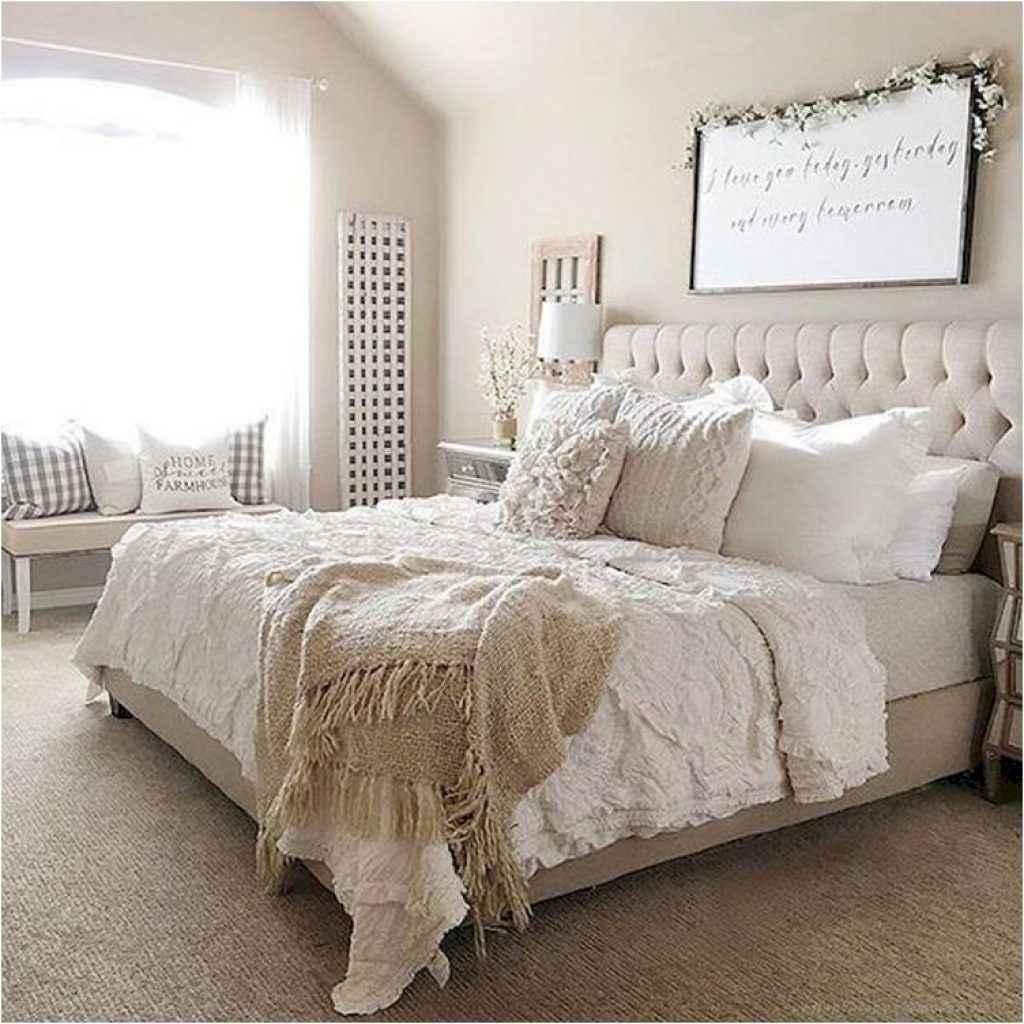 70 beautiful farmhouse master bedroom decor ideas (16)