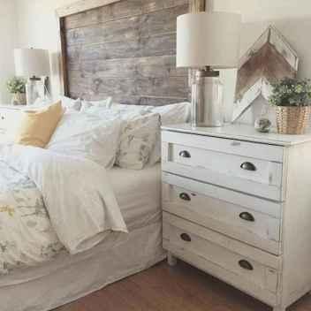 70 beautiful farmhouse master bedroom decor ideas (6)