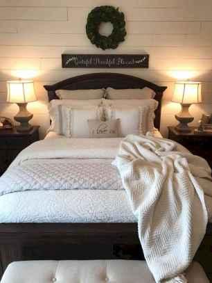 70 beautiful farmhouse master bedroom decor ideas (8)