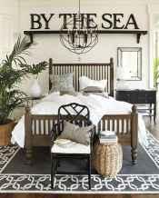 80 relaxing master bedroom decor ideas (54)