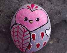 80 romantic valentine painted rocks ideas diy for girl (34)