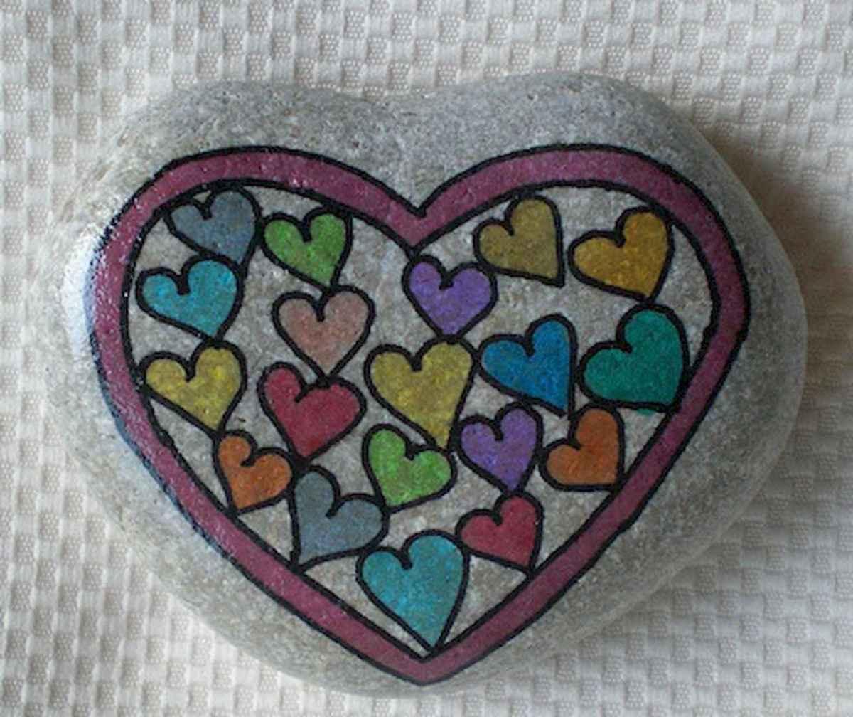 80 romantic valentine painted rocks ideas diy for girl (4)
