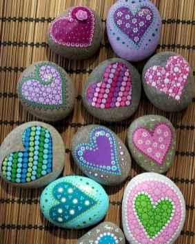 80 romantic valentine painted rocks ideas diy for girl (47)