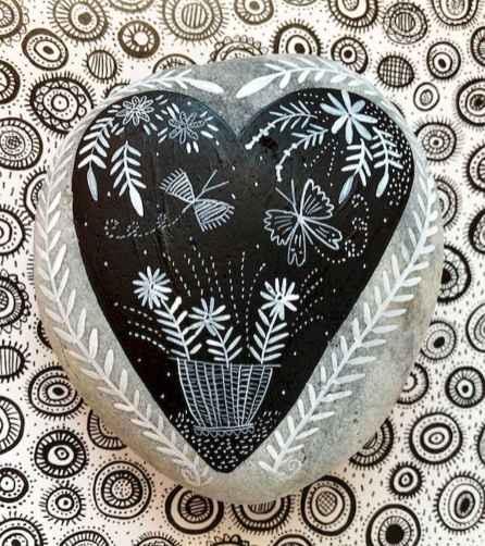 80 romantic valentine painted rocks ideas diy for girl (52)