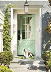 90 awesome front door farmhouse entrance decor ideas (14)
