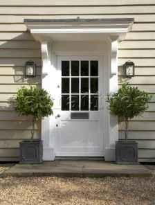 90 awesome front door farmhouse entrance decor ideas (32)