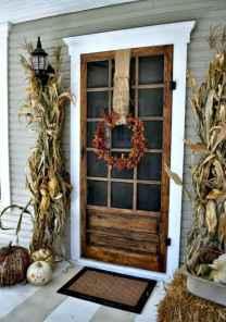 90 awesome front door farmhouse entrance decor ideas (33)