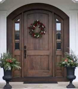 90 awesome front door farmhouse entrance decor ideas (7)
