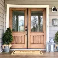 90 awesome front door farmhouse entrance decor ideas (86)