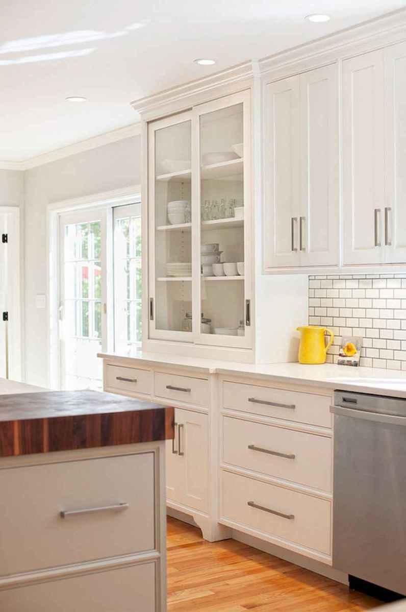 90 pretty farmhouse kitchen cabinet design ideas (21)