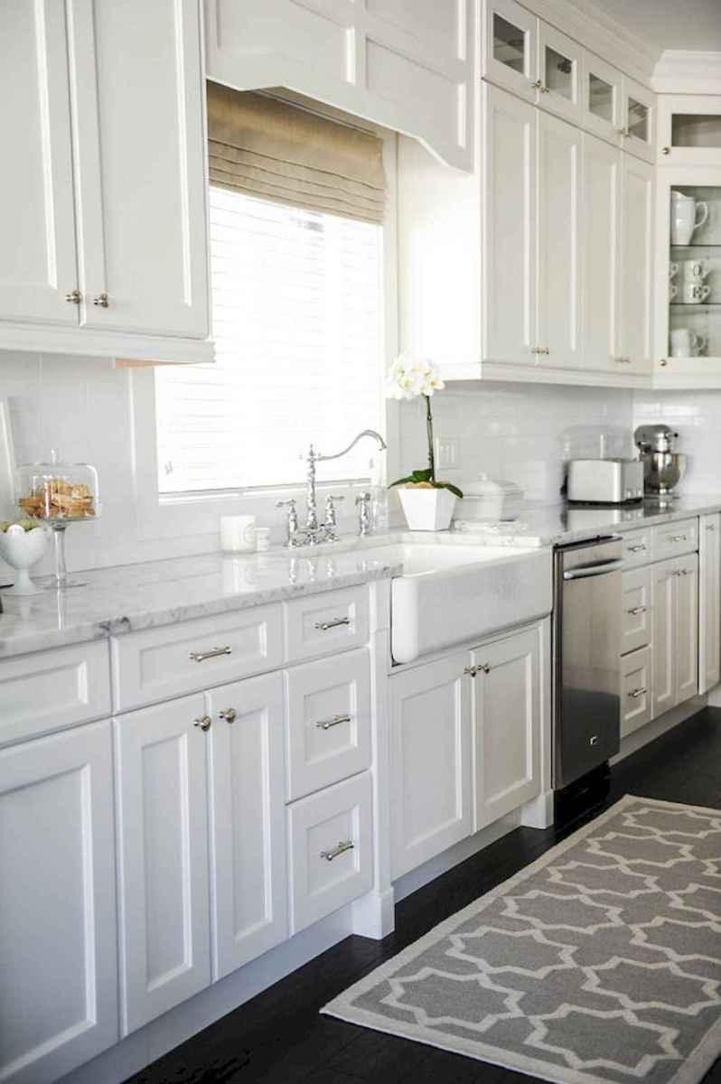 90 pretty farmhouse kitchen cabinet design ideas (76)