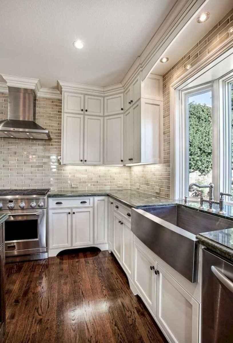 90 pretty farmhouse kitchen cabinet design ideas (78)