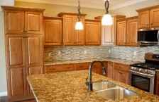 100 best oak kitchen cabinets ideas decoration for farmhouse style (24)