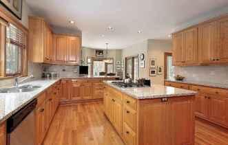 100 best oak kitchen cabinets ideas decoration for farmhouse style (36)