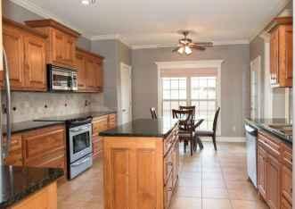 100 best oak kitchen cabinets ideas decoration for farmhouse style (37)
