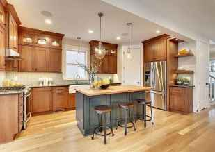 100 best oak kitchen cabinets ideas decoration for farmhouse style (53)