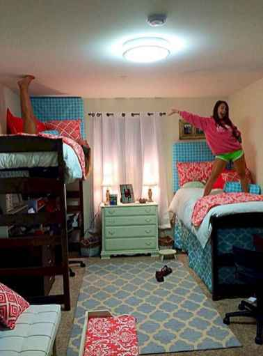 100+ cute loft beds college dorm room design ideas for girl (15)