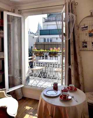 111 awesome parisian chic apartment decor ideas (100)