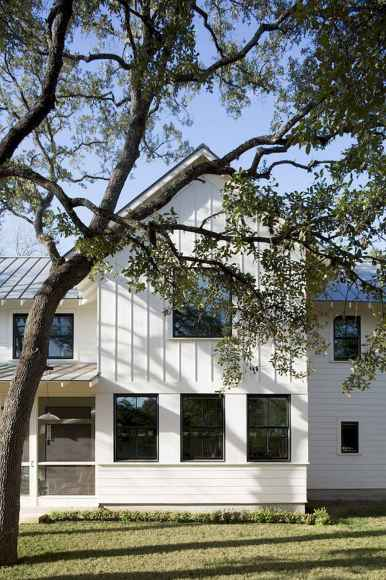 60 rustic farmhouse exterior decor ideas (32)