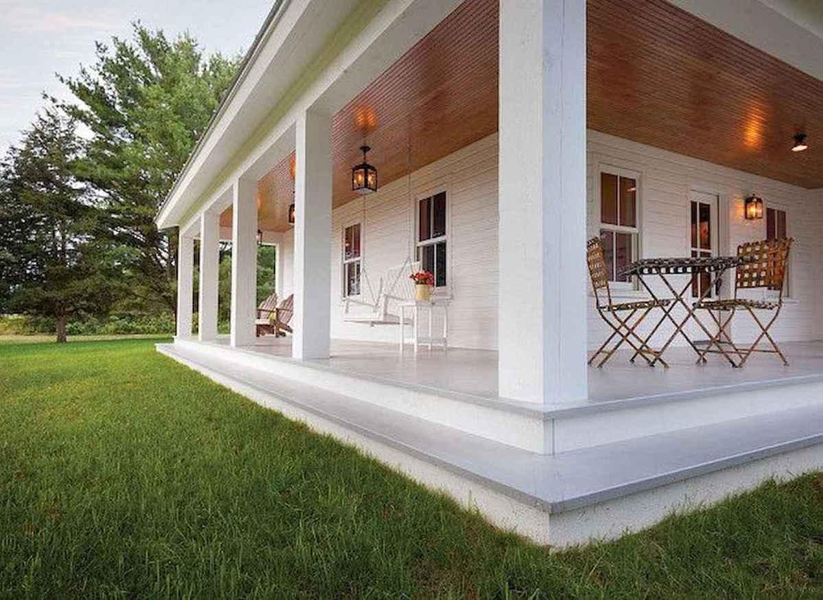65 stunning farmhouse porch railing decor ideas (2)